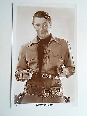 Vintage Real Photo Postcard ROBERT MITCHUM  Picturegoer Series   #8