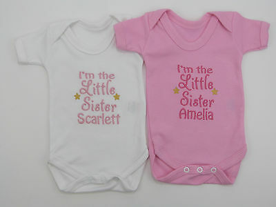 Personalised I/'m The Little Sister Baby Vest Grow Babies Clothes Girl Funny Gift