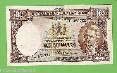 1956 to 1967  TYPE  NEW  ZEALAND 10  SHILLING  BANKNOTE 7E 450738
