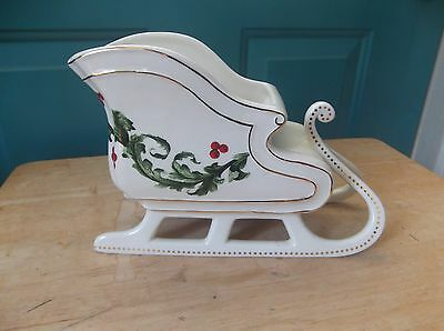 White Ceramic Sleigh Shaped Holly and Berry Design Planter