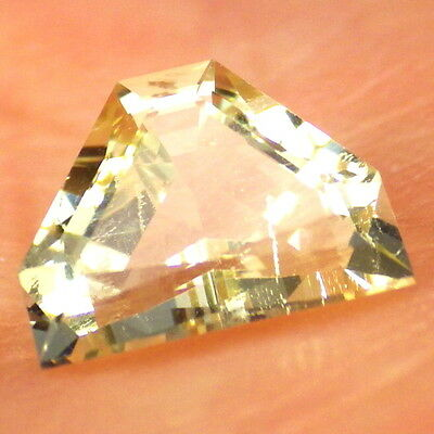 YELLOW TOPAZ-GERMANY 1.45Ct CLARITY SI2-NATURAL PASTEL GOLD COLOR-RARE GEMSTONE