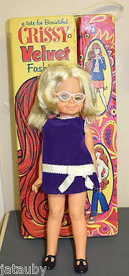 CRISSY VELVET FASHION - Vintage Collectible Chrissy Doll Tote Glasses 9 Outfits