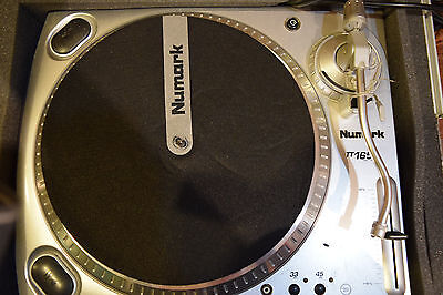 Numark TT1650 Direct Drive Turntable with Oddysey Case