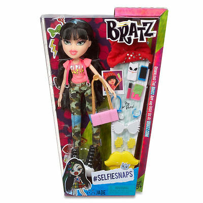 Bratz Selfie Snaps Jade Fashion Doll With Accessories Girls Gift Toy