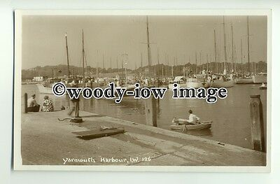 h1195 - View of Yarmouth Harbour & Lifeboat , Isle of Wight - Postcard