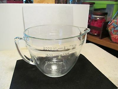 Very nice 2qt. size clear glass Anchor Hocking kitchen measuring bowl/cup.