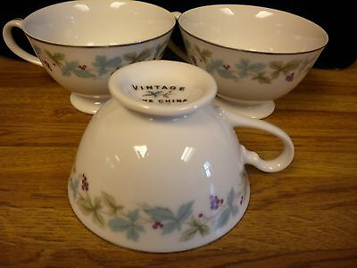 Vintage Fine China 6701 3 Tea Cups..grapes And Grapevines..blue Leaves..coffee