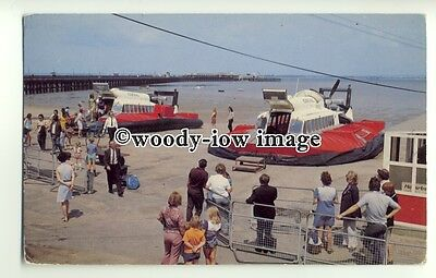 f0837 - Hovertravel SRN 6 Hovercraft at Ryde , Isle of Wight - postcard