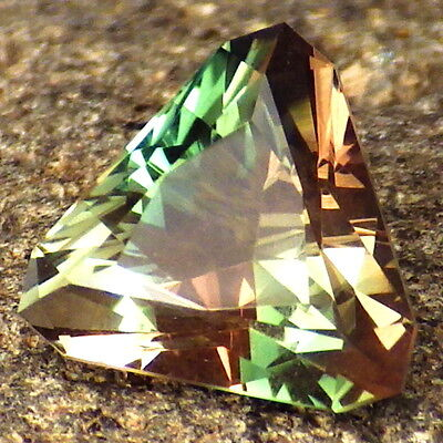 CHROME GREEN-PINK WALNUT DICHROIC SCHILLER OREGON SUNSTONE 3.45Ct FLAWLESS-RARE!