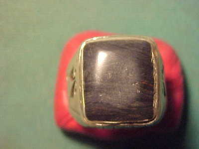 Near Eastern  hand crafted  solid silver  ring  black onyx stone  1700-1900