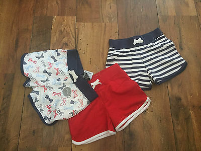 Girls pack of 3 Summer Shorts, AGE 3-4 years, BNWT - beach/hols red/white/blue