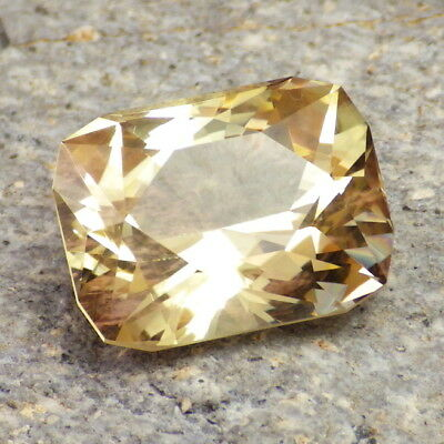 GOLD YELLOW SCHILLER OREGON SUNSTONE 14.30Ct FLAWLESS-LARGE-FOR TOP JEWELRY!!