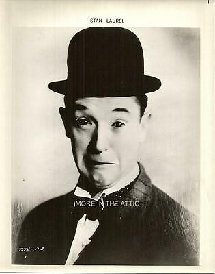 Stan Laurel And Oliver Hardy Pair Of Orig Robert Youngson Portrait Stills