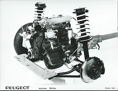 Peugeot 504 Berline Original 1969 Press Photograph Engine and Axle Detail