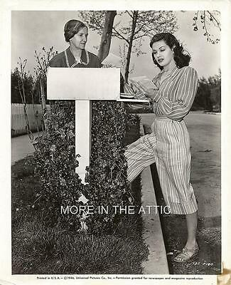 Canadian Born Yvonne De Carlo Orig Universal Pictures Still #2 The Munsters
