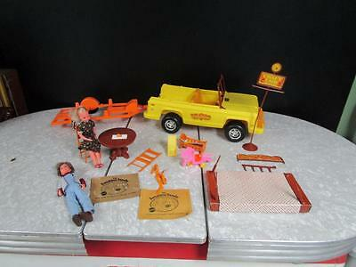 Mattel Sunshine Family Piggyback Shack Craft Fair / Baby Furniture Lot
