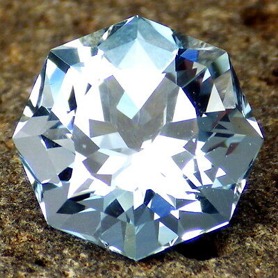 UNTREATED BLUE TOPAZ-NAMIBIA 10.35Ct CLARITY VS2-SKY BLUE COLOR-PERFECT FACETING