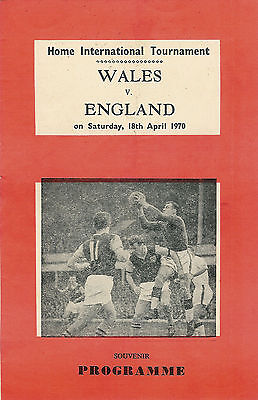 Wales v England - souvenir / pirate issue 18 Apr 1970 FOOTBALL PROGRAMME
