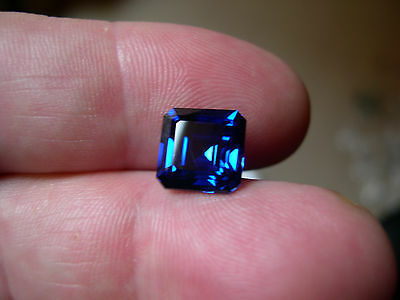 SOMPTUEUX SAPHIR VERNEUIL CORNFLOWER BLUE 8x8 mm..3,40cts..IF