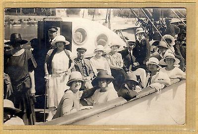 Cpa Carte Photo Passagers sur le Bateau Le Phare vq011