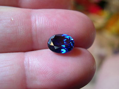 SOMPTUEUX SAPHIR VERNEUIL  BLEU  ROYAL  8x10 mm ovale 2,90cts..IF
