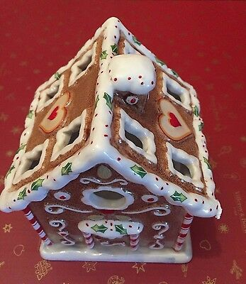 Villeroy & Boch WINTER BAKERY DECORATION Gingerbread House Tea Light Holder