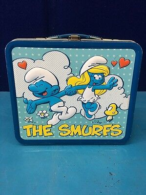 The Smurfs Lunch Box/2010 Throw back to Vintage Metal Lunch Boxes Latch CC06