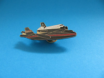 Vintage NASA Space Shuttle Pin badge Good Condition.