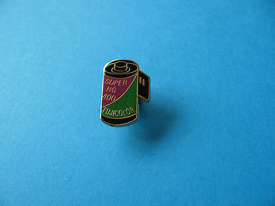 Fujicolor Camera Film Can Pin Badge. Super HG 400. VGC,
