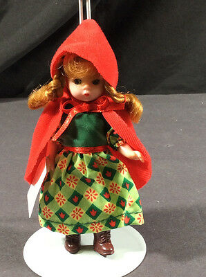 Madame Alexander Mcdonald Happy Meal Little Red Riding Hood W/tag