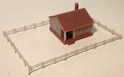 Outland Models Train Railway Layout Country Cottage House with Fencings Z Scale