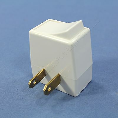 New Cooper White Indoor Plug-In Polarized Rocker Switch Outlet 13A 125V BP4404W