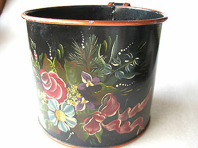 DIPPER HAND HELD TIN SCOOPER TOLL PAINTED Vintage