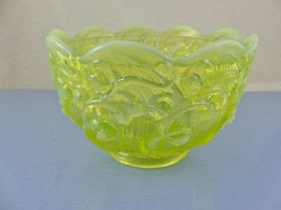 """Vintage Fenton Lily of the Valley Bowl 5.5"""" Opalescent Vaseline"""