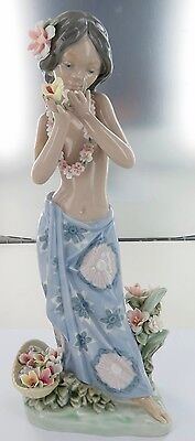 Rare Vintage Lladro Aroma Of The Islands D-2S Figure. Retails $700