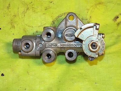 Kawasaki S3 400 Oil Pump Assembly