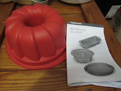 "Tupperware Magic Bakeware Silicone 9.5"" Round Cake Pan Mold Form Flexible Bundt"