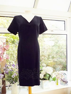 "STUNNING ""LAURA ASHLEY"" BLACK VELVET EMBROIDERED EVENING COCKTAIL DRESS Sz 16"