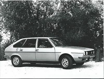 Renault 30 TS Original  Press Photograph Side View 1975