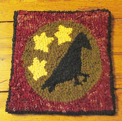 PRIMITIVE CROW WITH STARS Beginner Rug Hooking KIT WITH #8 CUT WOOL STRIPS