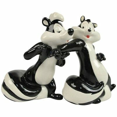 Looney Tunes Pepe Le Pew & Penelope Come to Me Salt and Pepper Shaker Set #13970