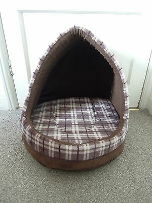 Me & My Brown Check Large Supersoft Cat Igloo
