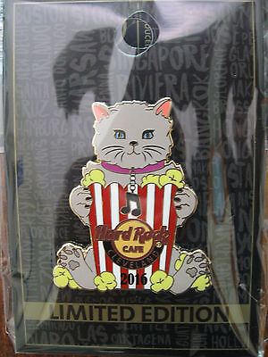 Cleveland Hard Rock Cafe pin - cat with popcorn - LE HRC trader badge Closed