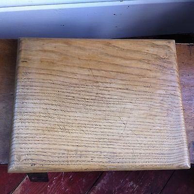LOVELY CLEAN ANTIQUE ONE PIECE WOODEN BREAD / CHOPPING BOARD 12.6 by 10.25 inch