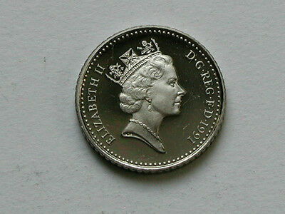 UK (Great Britain) 1991 5 PENCE (5p) Queen Elizabeth II Coin UNC from proof set