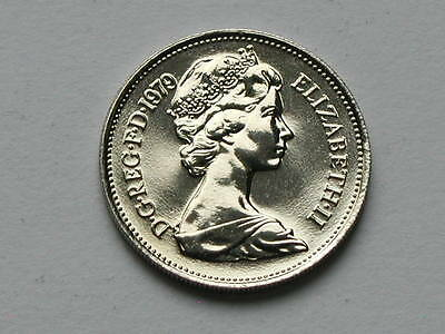 UK (Great Britain) 1979 5 PENCE (5p) Queen Elizabeth II Coin UNC (from mint set)