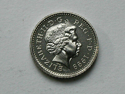 UK (Great Britain) 1999 5 PENCE (5p) Queen Elizabeth II Coin UNC (from mint set)