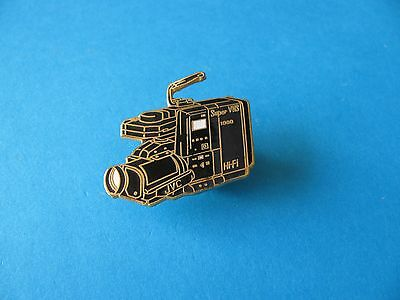 JVC Super VHS 1000 Hi-Fi Video / Camcorder Camera Pin Badge . Hard Enamel. VGC