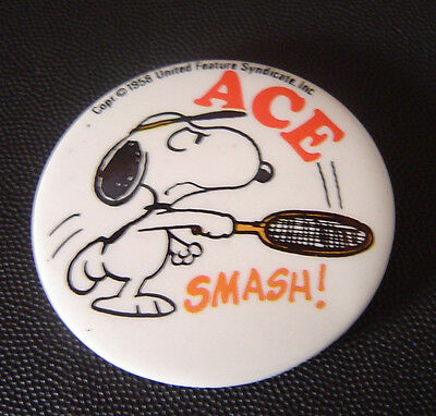 """Vintage  United Feature Syndicate Inc. N.J """"Tennis Snoopy"""" Pinback Button"""