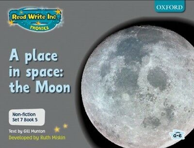 Read Write Inc. Phonics: Non-fiction Set 7 (Grey): A place in spa...